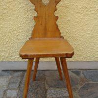 Antiker Holzstuhl